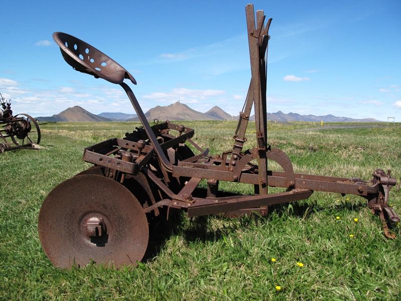 More Pics – Old Farm Equipment – Rhodylady's Weblog